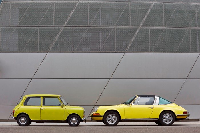 Classic-MINI-and-Porsche-911-2