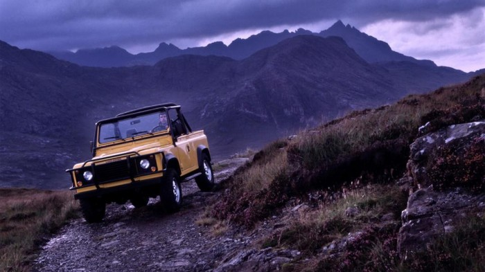 Land Rover Defender 90 V8 in the Isle of Skye