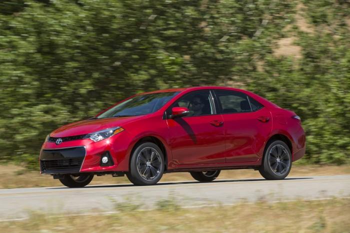Первые фото нового поколения Toyota Corolla