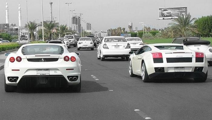 Ferrari_Vs_Lamborghini