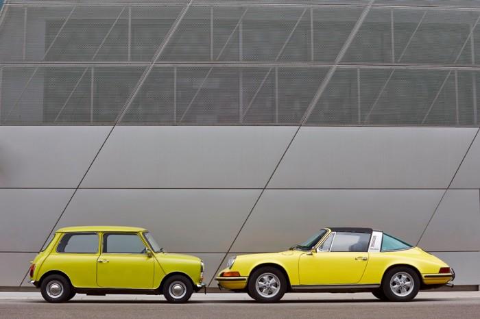 Classic-MINI-and-Porsche-911-2