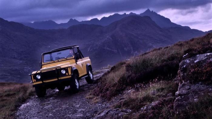 Land Rover Defender 90 V8 in the Isle of Skye