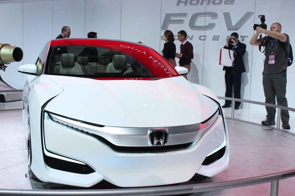 Honda готовит дебют концепта FCV на водородном топливе