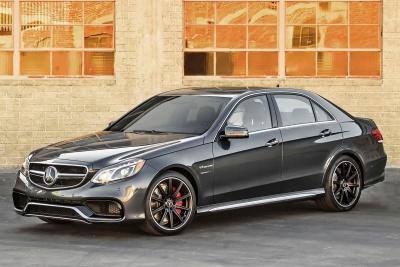 2015_Mercedes-Benz_E-Class_E63_AMG_4MATIC-1_small