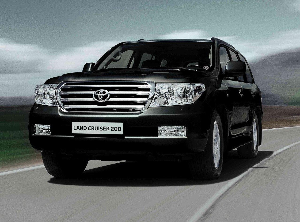 В России начались продажи «юбилейного» Toyota Land Cruiser 200