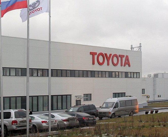 Завод Toyota в Петербурге на две недели останавливает конвейер