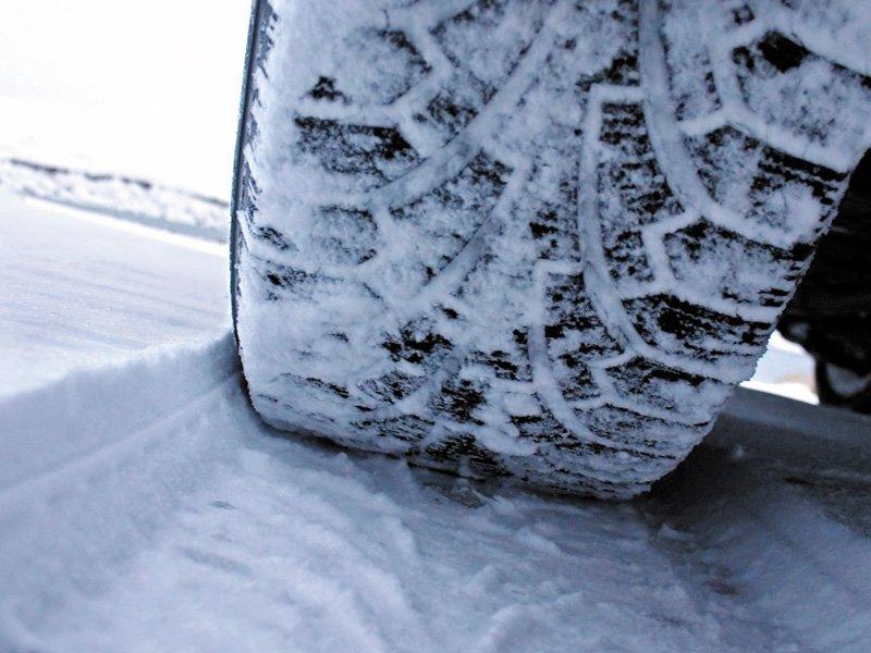 Опровергнута информация о запрете использования летних шин зимой