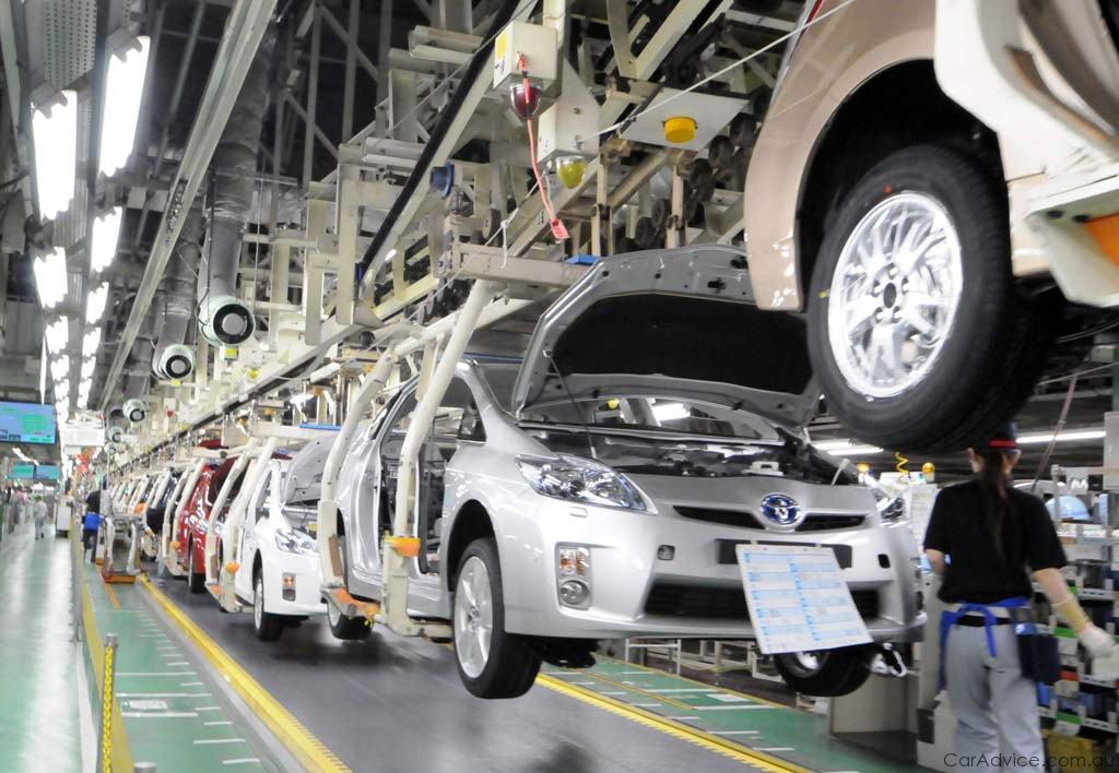 Производство легковых автомобилей в РФ в октябре снизилось на 11,4 процентов