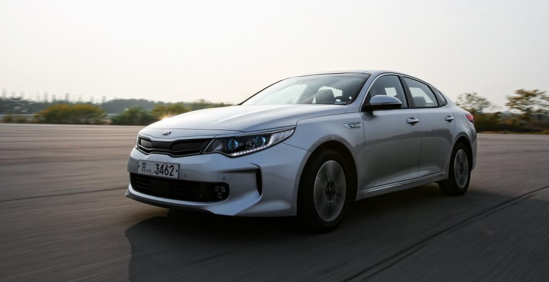 Kia Optima в 2016 году представит две гибридные версии