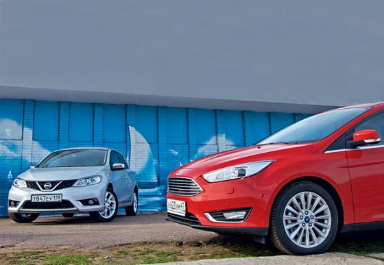 Ford Focus vs Nissan Tiida